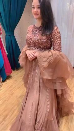 Indian Wedding Gowns, Party Wear Indian Dresses, Desi Wedding Dresses, Indian Gowns Dresses, Indian Bridal Outfits, Indian Bridal Fashion, Pakistani Bridal Dresses, Indian Fashion Dresses, Dress Indian Style