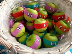 ninja turtle birthday party ideas (turn apples into ninja turtles! awesome healthy foo/snack/giveaway for a Ninja Turtle party! Ninja Turtle Party, Ninja Party, Ninja Turtle Birthday, Ninja Turtles, Superhero Party, Turtle Birthday Parties, Birthday Fun, Classroom Birthday Treats, Healthy Birthday Treats