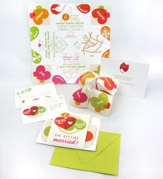 Cootie Catcher Invite by oneLittleM (Etsy)  When Rebellious Bride Ji received the prototype of their cootie catcher invitation from Etsy, ...