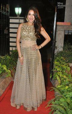 Exclusive: Karisma Kapoor, Sunny Leone Attend Mayyur Girotra's Boutique Opening in Mumbai - MissMalini
