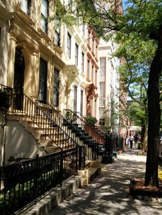 """The house used as Carrie Bradshaw's apartment building in """"Sex and the City"""""""