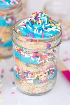 Mason Jar Birthday Cakes