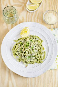Kale Pasta with Easy Garlic Sauce
