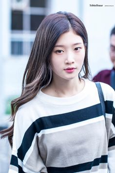 #Chaeyeon #IOI #DIA #채연 #아이오아이 #다이아 Chaeyeon Dia, South Korean Girls, Korean Girl Groups, Korean Beauty, Asian Beauty, Real Life Princesses, Jung Chaeyeon, Jeon Somi, G Friend