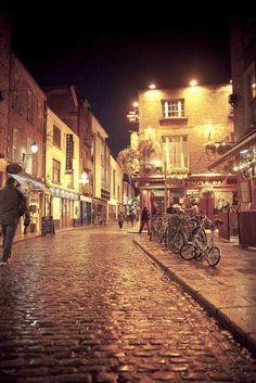 - Dublin, Ireland: Temple Bar #beentheredonethat