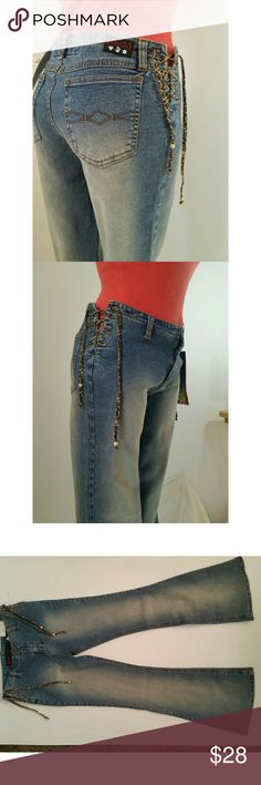 NWT 5 BELL BOTTOM Mudd Jeans Lace Up Bootcut NWT New - Very Cute Super Skinny - BOHO - BELL BOTTOMS!  Lace Up Animal Print (cheetah) Sides! New With Tags, MUDD JUNIOR'S SIZE 5  Super Stretchy - Denim is light weight, but not flimsy   Measurements approximate in inches and are: Rise 8.5, approx 28.5 waist, hips 32.5 hips and inseam 30.75 Mudd Jeans Boot Cut