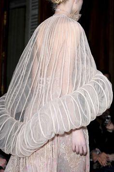 Transparency & a tubular trim - cape; three-dimensional fashion details // Valentino