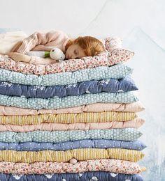 VERTBAUDET - On craque pour ses imprimés ! Little Girl Rooms, Little Girls, Book Nooks, Fashion Room, Kid Spaces, One Bedroom, Home Textile, Little Ones, Playroom