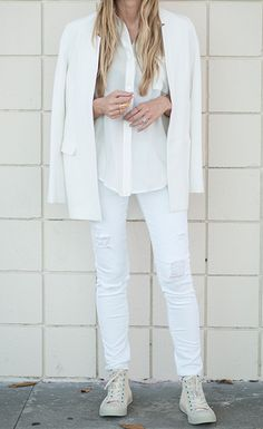 Blonde white outfits, all white outfit, fall outfits, cream converse, converse hightops All White Outfit, White Outfits, Fall Outfits, How To Wear White Jeans, How To Wear Flannels, Comfortable Outfits, Stylish Outfits, Street Chic, Street Style