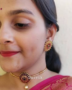 Top Five Brands To Shop Bold Traditional Earrings For Weddings! South India Jewels Top Five Brands To Shop Bold Traditional Earrings For Weddings! Indian Jewelry Earrings, Jewelry Design Earrings, Gold Earrings Designs, Gold Jewellery Design, India Jewelry, Dress Jewellery, Gold Designs, Ruby Jewelry, Temple Jewellery