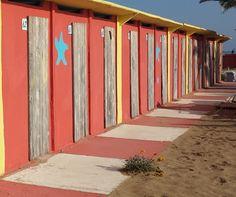 un pò di colore anche in inverno. Beach huts.