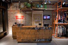Levi s store by Como Park Studio Amsterdam 11