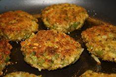 Kikert-karbonader - Veganeren Chickpea Burger, Veggie Burgers, Squash, Zucchini, Spicy, Vegan Recipes, Good Food, Food And Drink, Vegetarian