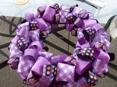 DIY Ribbon Wreath - great beginning for the GA Bulldogs wreath I'm making for mom!