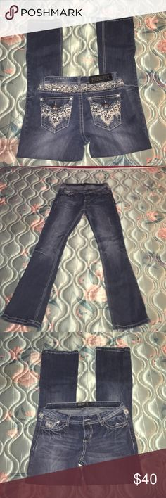 Premiere bootcut jeans Perfect condition, only wore 2 or 3 times , no rips Rue 21 Jeans Boot Cut