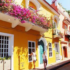 "hatrik: "" A Cartagena Christmas Eve spent with the best  (at Plaza de San Pedro Claver) """