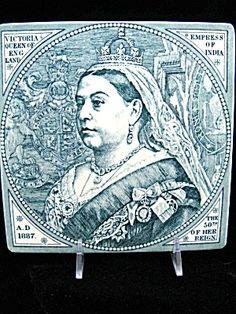 1887 QUEEN VICTORIA GOLDEN JUBILEE PORTRAIT TILE BY MINTON