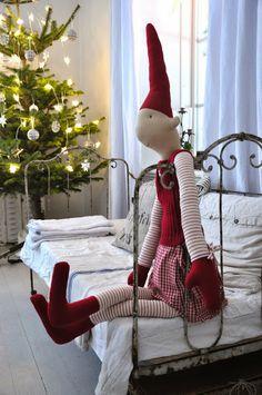 mommo design: CHRISTMAS IN KIDS ROOM