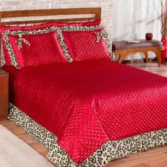 Bedroom Red, Flower Applique, Bed Spreads, Bed Sheets, Comforters, Decoration, Interior Decorating, Sofa, Curtains