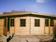 Timber garden room by Davies Timber Wales, Cwmbran, Wales