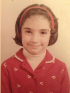 How cute and lovely is this little girl?! My queen Gloria! From her official twitter.