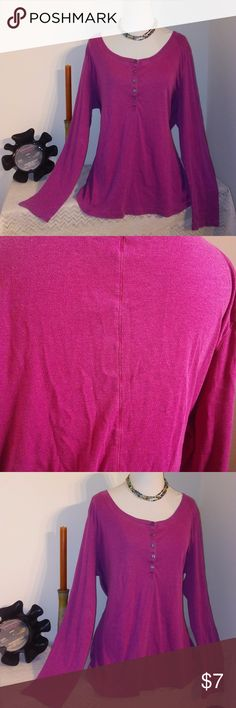 NiCe! Hot Pink Henley style XXL Top Hot Pink Old Navy XXL cotton Henley style top has exposed seam running down the back and a flattering, generous fit.  Perfect for layering!  Bundle 2+ items and save 15%!!! Old Navy Tops Tees - Long Sleeve