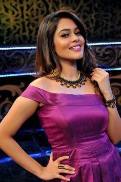 All Indian Actress, Indian Actress Gallery, Indian Actresses, Indian Fashion Dresses, Half Saree, Red Lips, Bollywood, Sari, Gowns