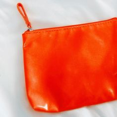 Brand New Elizabeth Arden Makeup Bag Gorgeous bright orange with teal inside lining :)  new without tags Sephora Bags Cosmetic Bags & Cases