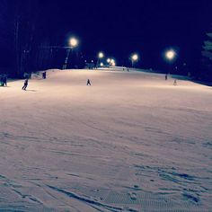 Konečně taky letos na svahu :3 #sjezdovka⛷ #nočnílyžování #snb #snowboarding #snow #wintertime #zima❄️ #bombajezdeni #spokojenost #natěšenost #mamtoturad