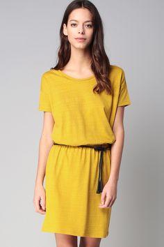 Robe t-shirt jaune ceinture corde Esperanza
