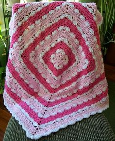 Crochet For Children: Precious Square Baby Blanket - Free Pattern Crochet Crafts, Crochet Yarn, Crochet Stitches, Crochet Projects, Free Crochet, Easy Crochet, Crochet Afghans, Afghan Crochet Patterns, Baby Blanket Crochet