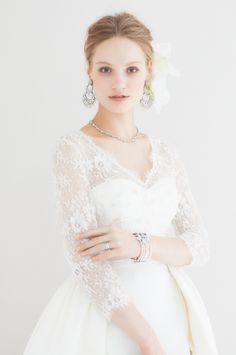 #NOVARESE #wedding #accessory #ring #earring #hedaccessory #styling #hair #Vintage #flower #Classic #ノバレーゼ #ウエディング #アクセサリー #リング #イヤリング #スタイリング #髪型 #ヘッドアクセサリー #フラワー #Carolina Herrera #キャロリーナ・ヘレラ