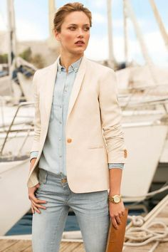 Massimo Dutti June 2013 look book. Wore this the other day- jeans, blue button down, white blazer Estilo Fashion, Look Fashion, Fashion Models, Preppy Fashion, Nail Fashion, Fashion Shoot, Curvy Fashion, Fashion Trends, Outfit Jeans