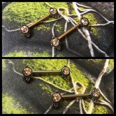 Brystsmykker i guld og stål, til helede piercinger 😍 Ses i dag inden weekenden 11-15, hos Artistic på Vesterbro ❤️🙏🏾🌈🦄💎