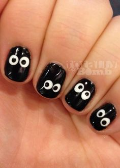 Ghostly eyes nail art design | Halloween nails