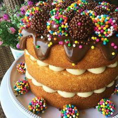 Torta desnuda