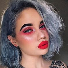 Play up bold eyes and lips with faux freckles using your fave liners! @laurenrohrer created these cute ones with our White Liquid Liner! Link to shop in bio. || #nyxcosmetics #nyxprofessionalmakeup