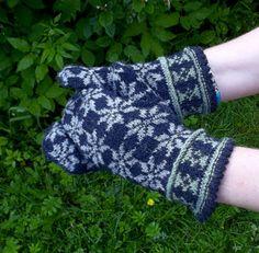 hand knitted black gray wool mittens by peonijahandmadeshop, $45.60