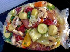 Łopatka wieprzowa pieczona z warzywami - bez tłuszczu - Blog z apetytem Calzone, Kitchen Recipes, Food Design, Pasta Salad, Potato Salad, Pork, Food And Drink, Low Carb, Tasty