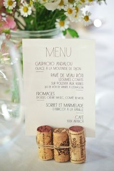 A discreet, sweet and trendy menu door, because cork has never been that much in the air! Source by Wedding Quotes, Wedding Menu, Brunch Wedding, Wedding Table, Diy Wedding, Rustic Wedding, Wedding Reception, Wedding Planner, Wedding Day