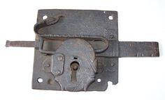 17th century iron lock - 31.5 x 17 x 3.5 cm
