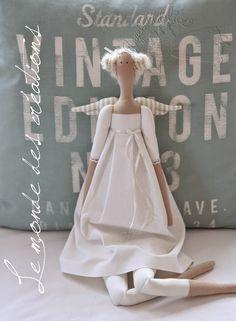 ... po delší době zase jedna andělská kráska - něžná a čistá :-)   ... bílá nikdy nezklame ;-)
