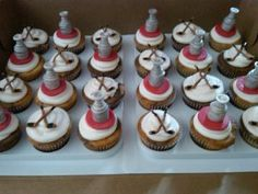 Hockey cupcakes  - Sorry Katie - But they need to be ORANGE
