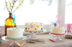 boy-and-girl-brother-and-sister-bubbles-and-brunch-party-ideas-decorations-colorful-cake