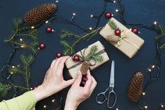 Natale è vicino! Scegliete un regalino da aggiungere sotto l'albero.. Da Panini Tessuti potete trovare tantissime idee per grandi e bambini!