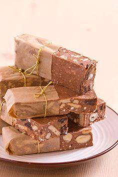 Blok czekoladowy Köstliche Desserts, Delicious Desserts, Dessert Recipes, Dolphin Cakes, Chocolate, Bakery Recipes, Cooking Recipes, Polish Recipes, Sugar Cravings