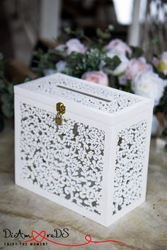 Légendaire Wedding Card Box with Slot Card Box with Lock, White Wedding Money Box, Wedding Card Holder, Wooden - Wedding Card Box with Slot Card Box with. Trendy Wedding, Diy Wedding, Wedding Gifts, Rustic Wedding, Lace Wedding, Wedding White, Wedding Ideas, Money Box Wedding, Card Box Wedding