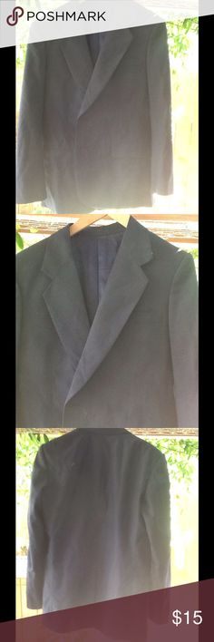 "Men's Black Blazer Size 40 Men's black blazer size 40"" by Raja's Fashions. Chest: 21"", Sleeve: 25"", Lengrh: 31"" Raja's Fashions Suits & Blazers Sport Coats & Blazers"