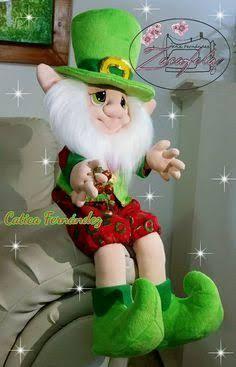 Resultado de imagen para muñecos navidad alejandra sandes Best Christmas Gifts, Christmas Deco, Homemade Christmas, Christmas And New Year, Christmas Crafts, Kobold, Elves And Fairies, Soft Dolls, Soft Sculpture