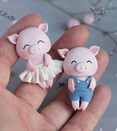 Little pigs - Arthur Marlow Polymer Clay Figures, Cute Polymer Clay, Polymer Clay Animals, Cute Clay, Fondant Figures, Polymer Clay Charms, Polymer Clay Projects, Diy Clay, Clay Crafts